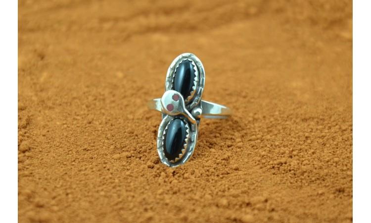 """""""Snake"""" Zuni Ring-size 7 3/4"""