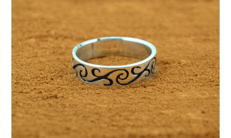 Natve american ring Size 12,75