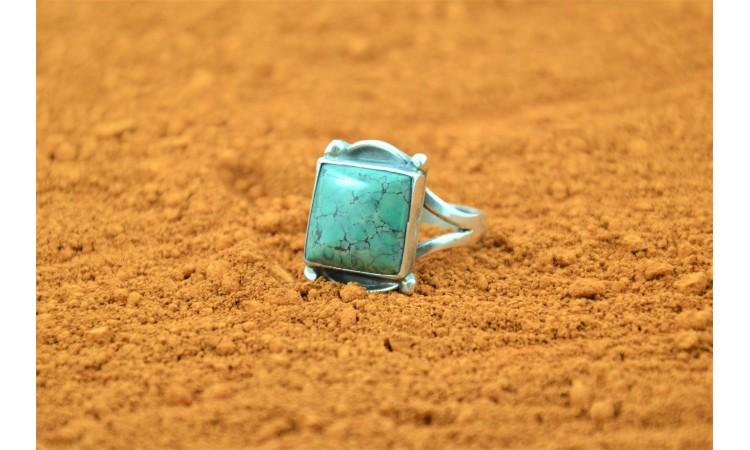 Kingman Turquoise Navajo Ring-Size 6