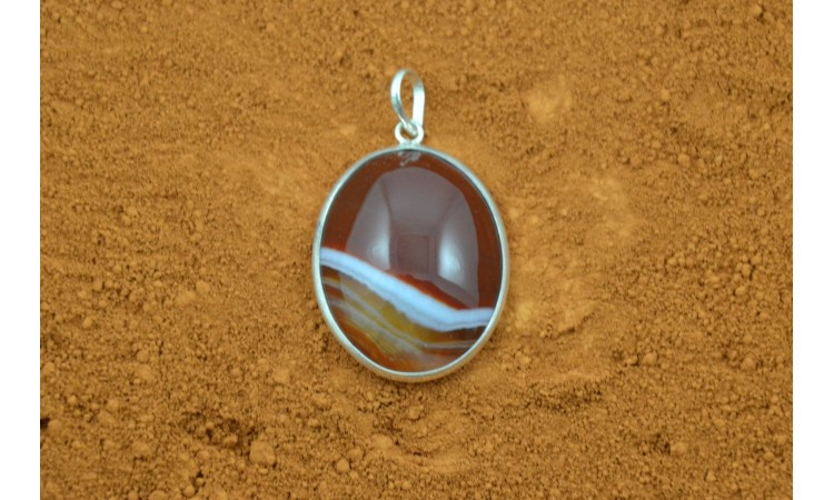 Pendentif agate rouge
