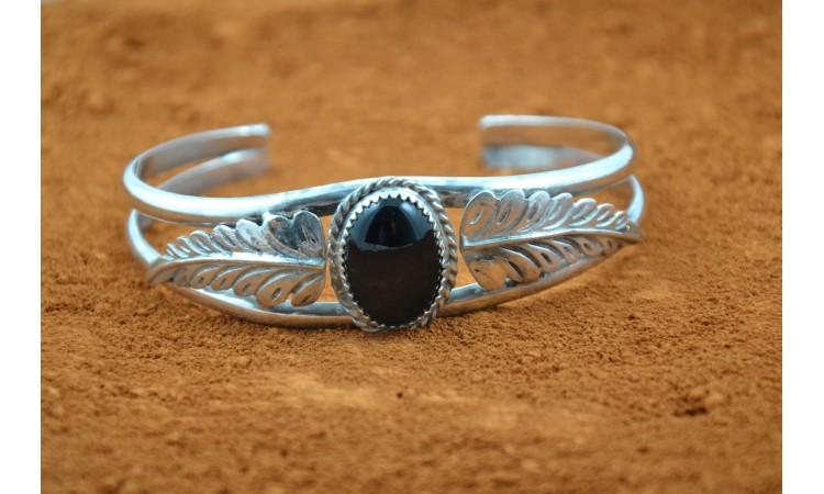 Bracelet onyx grandes plumes