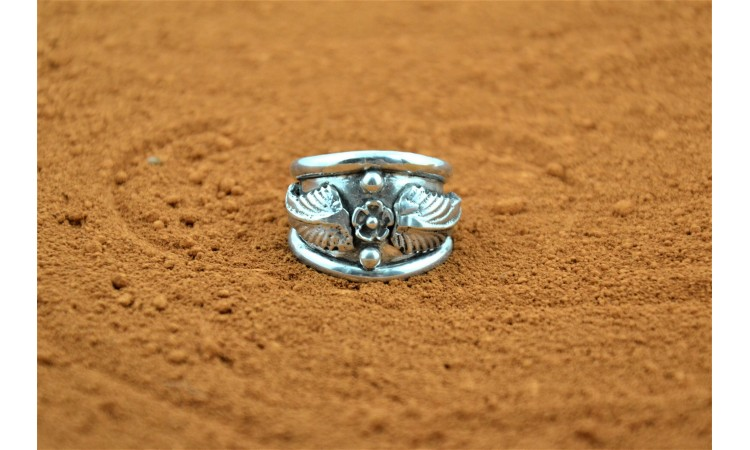Flower feather and waterdrops Ring