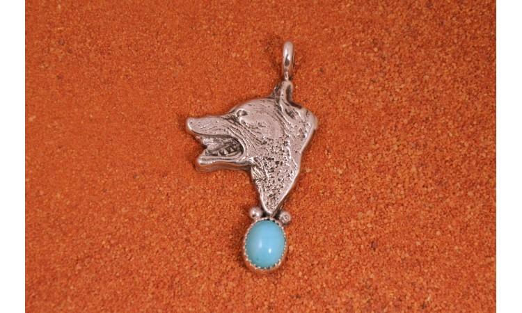Pendentif loup et turquoise